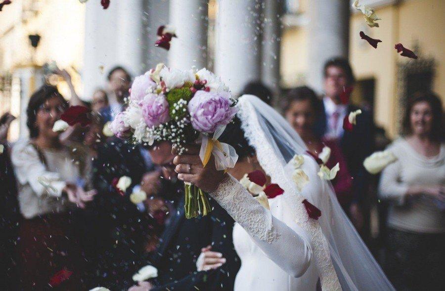 Przyjęcie weselne – jak sprawić, aby było wyjątkowe? Sala Sobieska prezentuje pomysły na fantastyczne wesela! Zorganizuj je z nami krok po kroku!