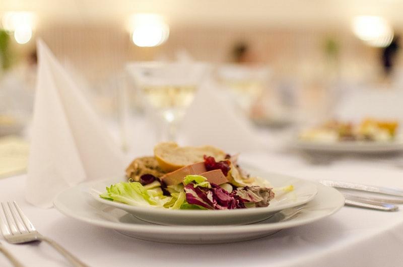Elegancka porcja jedzenia